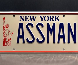 seinfeld-kramer-ass-man-license-plate-640x533